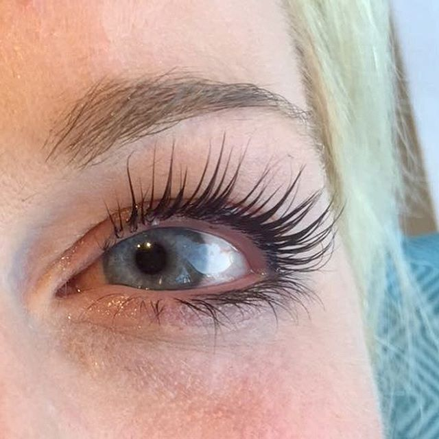 eyelash extensions montreal